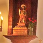 San Andrés Apóstol en su retablo Licencia Commons Wikipedia Entrada de San Andrés Apostol Tenerife Facebook Distrito de Anaga