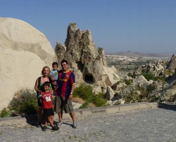 Hector con sus Familia. Capadocia, Goreme - Museo al Aire Libre