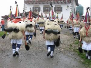 Carnaval de Ituren Navarra último domingo del mes de enero Wikipedia Creative Commons by Etxeko